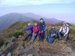 1826m峰にて記念撮影