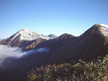 中ノ岳から兎岳にかけての稜線